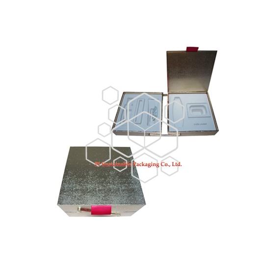 ESTEE LAUDER maquillage et soins de peau sur mesure luxueux carton cadeau en papier doré